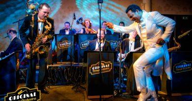 Original Vintage Orchestra se vrátili na scénu, aby oslavili 5. narozeniny! Shumorem a energicky, se známými i novými hity a smnoha VIP hosty