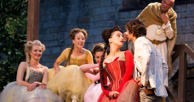 Letní shakespearovské slavnosti představují sezónu 2021 a v předvánočním čase zahajují prodej Dárkových ePoukazů