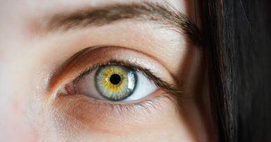 Oční poradna: Podstoupit laserovou operaci očí ještě před otěhotněním?