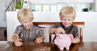 Čeští rodiče dětem nespoří, dávají přednost ukládání hotovosti na účet