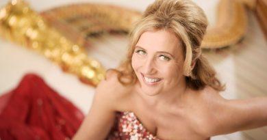 Festival v Šumperku nechá zaznít mistrovskou harfu Jany Bouškové