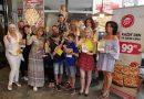 VIP maminky a jejich děti pokřtili Knihu Matky na palici