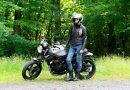 Sexy motorkářka Katka: Krása a inteligence, to je hustá kombinace!
