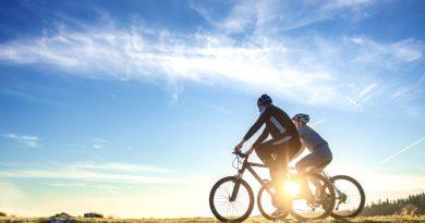 Češi trávili letošní léto na kolech. Rekordní cyklistická sezona je u konce, jaká bude ta další?