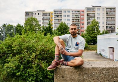 Do knihkupectví míří autobiografický román českého cestovatele a podnikatele Lukáše Matějčka Dobrodruh z paneláku