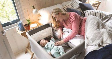 Luxusnější model Joie Roomie Glide pomůže uspat dítě i houpáním