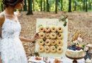 Slavnostní dřevěná stěna na donuty