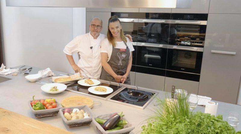 Zdeněk Pohlreich a Alice Bendová připravují candáta v kořeněné krustě a hruškový závin
