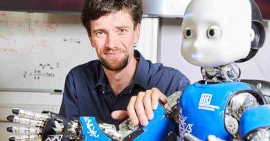 Výzkumníci z FEL ČVUT aplikují algoritmy inspirované mozkem, aby se roboti dokázali bezpečněji a autonomněji pohybovat mezi lidmi